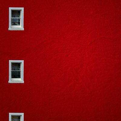 Victor MurilloVentanas Puerta en rojo